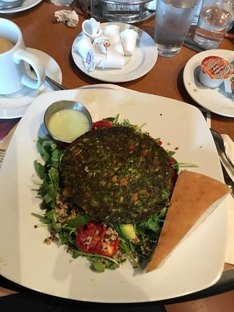 Gotham City Diner: Yummmyyy! Kale & Quinoa Burger and Salad!