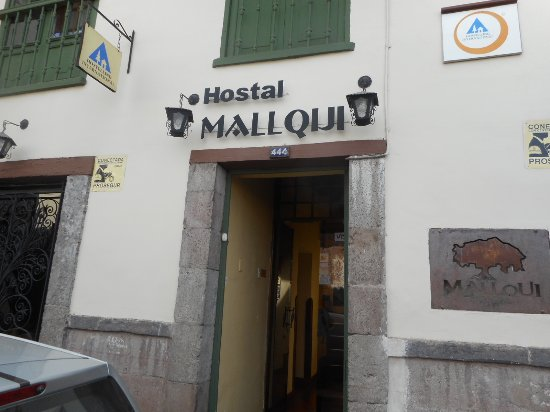 Hostal Mallqui: Address is 444, cool huh?