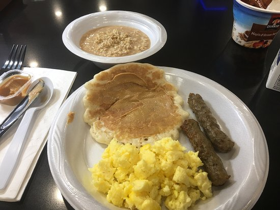 Milledgeville, جورجيا: Nice , clean ,great breakfast and Lisa was great at check in :)