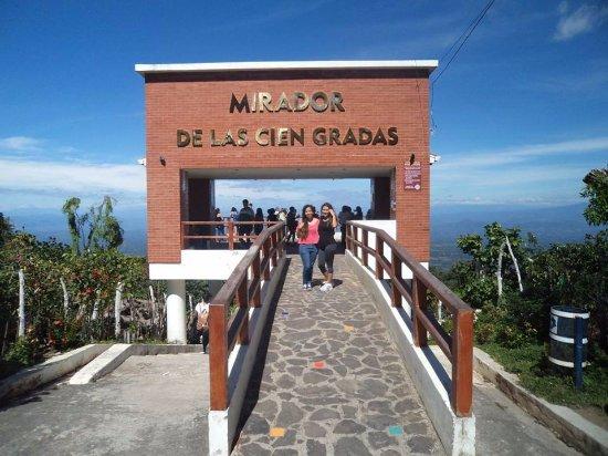 Alegria, El Salvador: Puedes visitar el famoso Mirador de las cien gradas