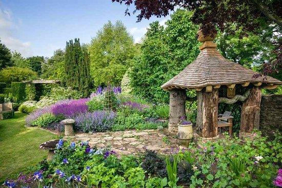 The Royal Gardens At Highgrove Photo1 Jpg