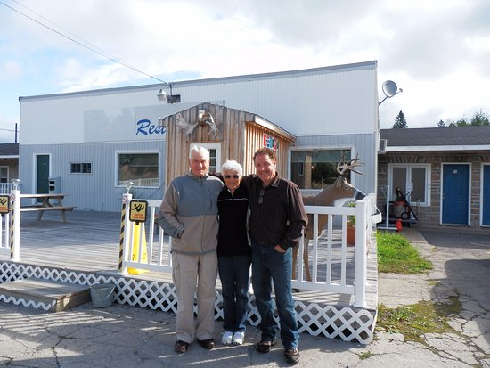 Kirkland Lake, Canada: friends enjoying our Motel and Restaurant