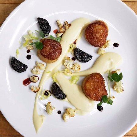 Joshua Wilton House: Scallops with cauliflower puree, merlot braised chorizo & port wine reduction
