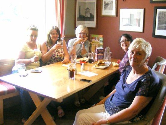 Skelmersdale, UK: enjoying birthday celebration food was lovely
