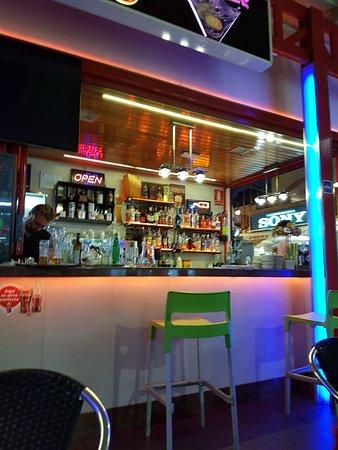 imagen San Eugenio Cafe Bar en Adeje