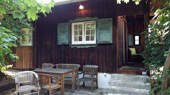 landhaus cafe restaurant hotel wolfratshausen tyskland omd men och prisj mf relse. Black Bedroom Furniture Sets. Home Design Ideas