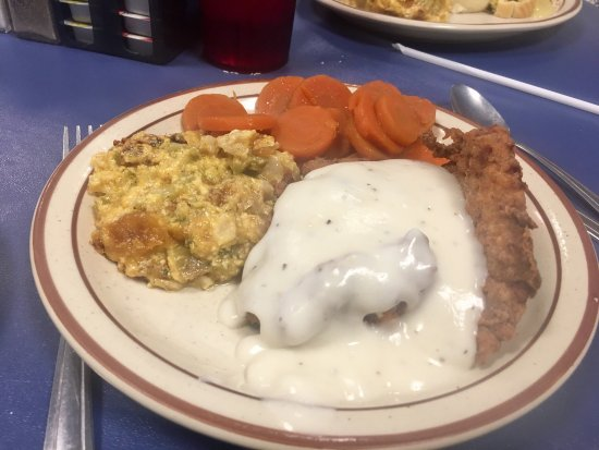 The Townhouse Cafe: Delicious plate lunches:  country fried steak & Turkey Manhattan!  YUM!!!