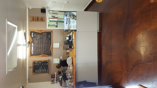 Te Aroha, New Zealand: X-ing Cafe Counter