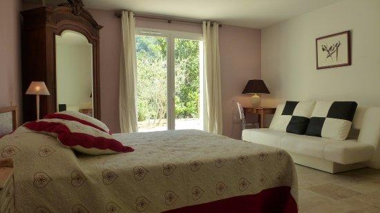 le vallon des oliviers b b montauroux france voir les tarifs 21 avis et 39 photos. Black Bedroom Furniture Sets. Home Design Ideas