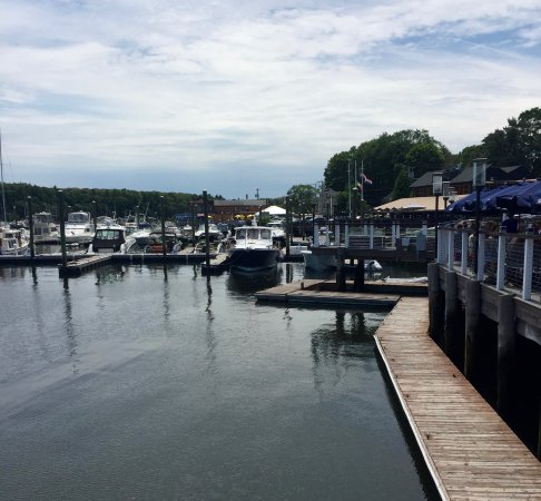 East Greenwich, RI: View from the outside eating area