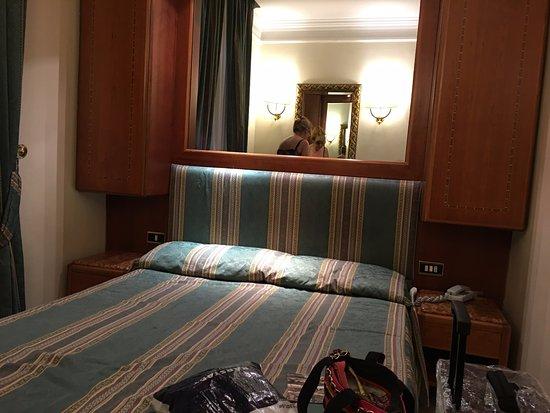 Hotel Luce : sehr eng, kaum bewegen