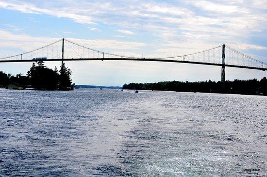 Gananoque, Kanada: Bridge between 2 Country