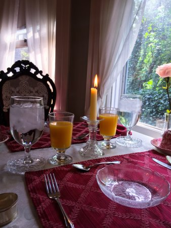 A Bed of Roses Bed & Breakfast: photo5.jpg