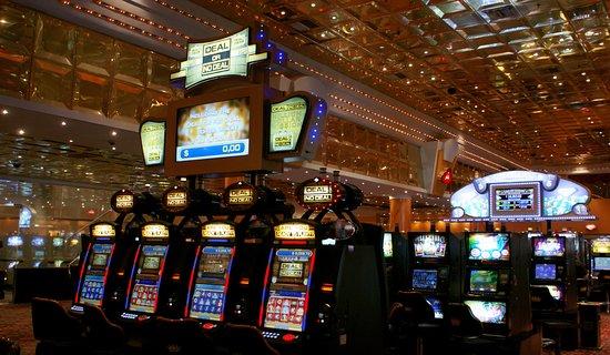 Casinos Gala - J.D. Perón 330 - Resistencia