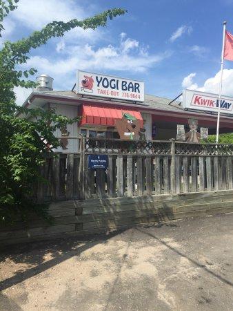 Bonfield, Canada : Hey Yogi!