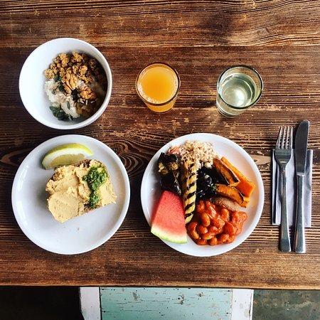 Michelberger Hotel : VEGAN/Plant Based EPIC Breakfast options. :D