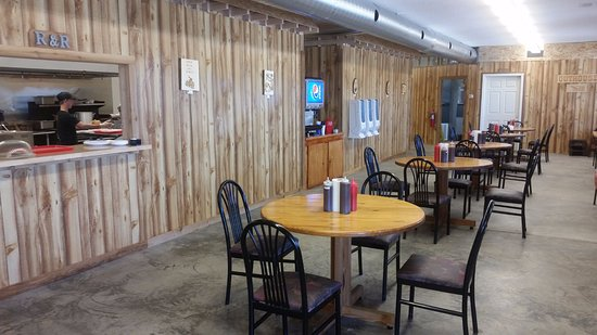 Clinton, MO: Dinning room