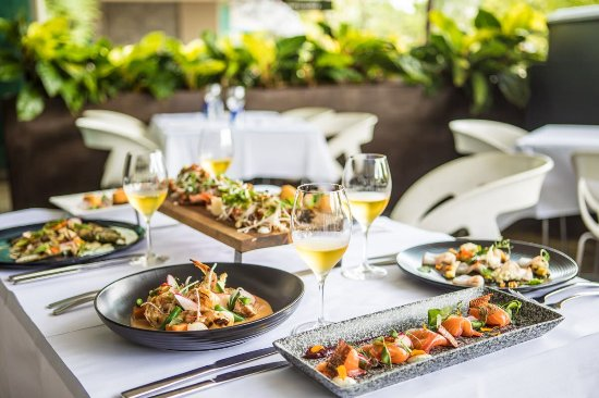 2 Fish Restaurant: Selection of seafood dishes