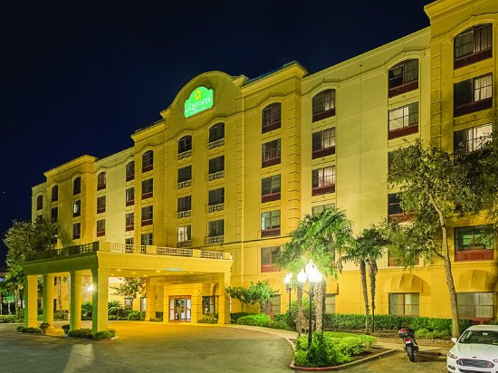 La Quinta Inn Amp Suites San Antonio Downtown Updated 2017