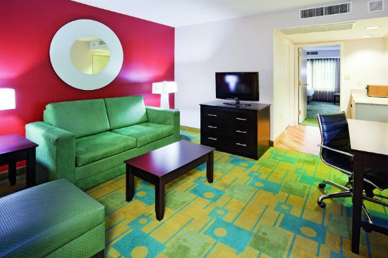 Glendale, WI : Guest Room