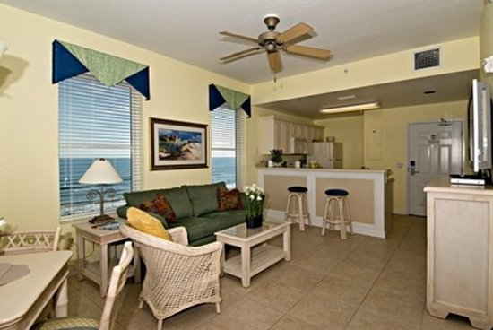 The Cove on Ormond Beach: Cove South Tower Living Dining Area