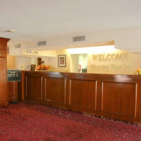 Mansion View Inn: Lobby View