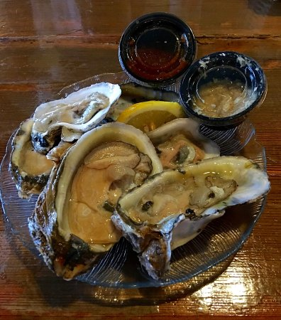 Darien, Georgien: Half dozen oysters on the half shell