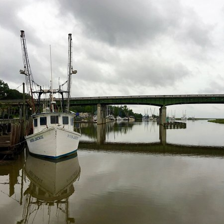 Darien, Georgien: A view of shrimp boats from Skippers Pier
