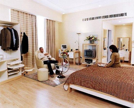 Elite Three: Bedroom Exec Apartment