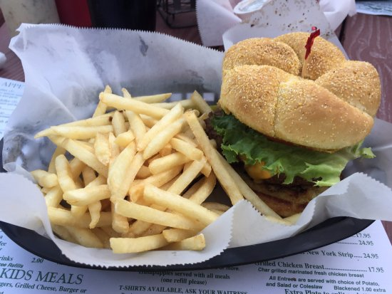 Russell's Seafood Grill: Russell Burger (meat and crab)