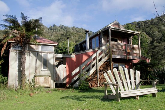 Whanganui, Nya Zeeland: The Riverboat Cottage - self contained cottage with 1 queen bedroom and 1 bunk room.