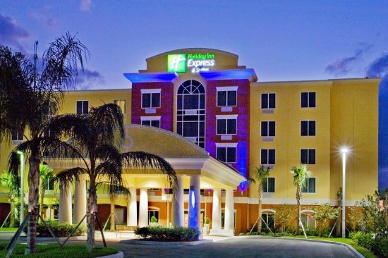 Holiday Inn Express Hotel Suites Port St Lucie West Exterior