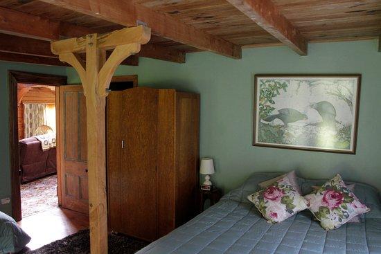 วางกานูอี, นิวซีแลนด์: Ruru Lodge, bedroom with garden outlook