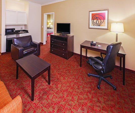 Columbus, TX: Suite