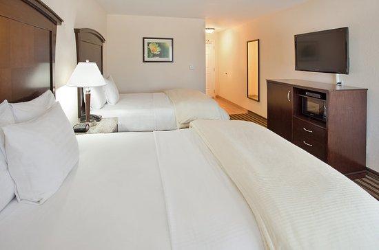 Fowler, CA: Guest Room
