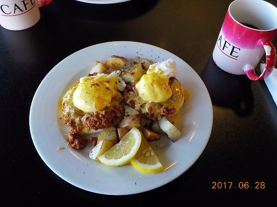 ピカズ カフェ, マフィンの周りにあるのはジャガイモです。