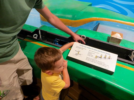 Crayola Experience: WaterWorks with the crayon boat going through the lochs.