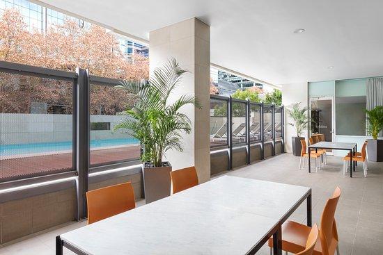 Adina Apartment Hotel Perth: 2017 Prices, Reviews & Photos ...