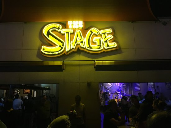 The Stage on Broadway: outdoor deck