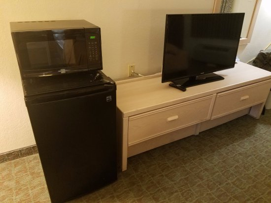 Red Roof Inn Port Aransas: TV, Fridge, Microwave