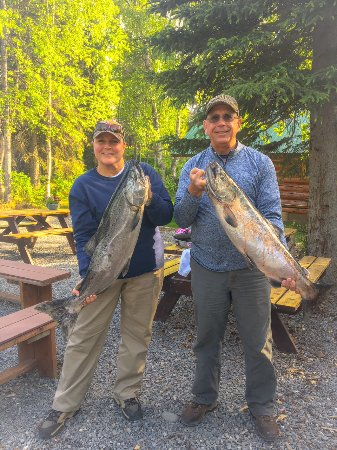 Orca Lodge: Happy Guests with their King Salmon!