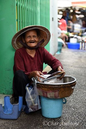 Vietnam Photo Adventures: Chinese Lady in the Back Streets of Cholon tour.