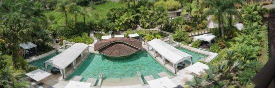The Royal Corin Thermal Water Spa & Resort: Pool panorama