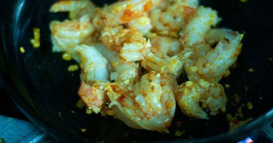 Nuevo Arenal, Kosta Rika: Shrimp Hot Hot Hot in the making.
