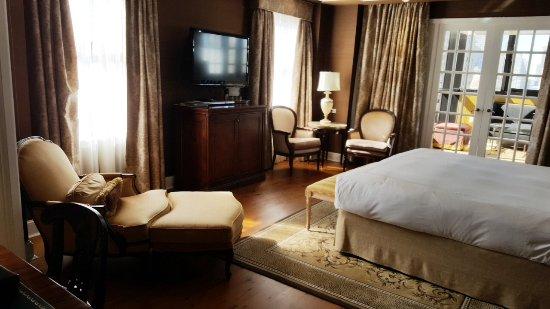 Hotel Plaza Athenee Photo