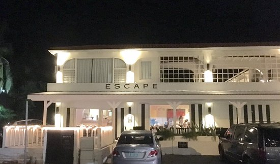 Cupecoy Bay, Saint-Martin : ESCAPE by night