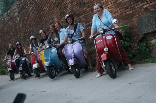 4-Hour Small-Group Evening Food Tour in Hue by Vespa