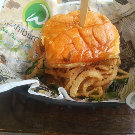 Wahlburgers : giant sandwich buns
