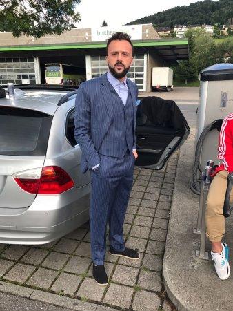 Exclusive Tailor: Happy Swiss Customer.