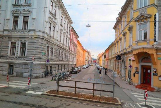 Sporgasse: ผังเมือง มีการออกแบบได้ อย่างงดงามและลงตัวเป็นอย่างยิ่งครับ